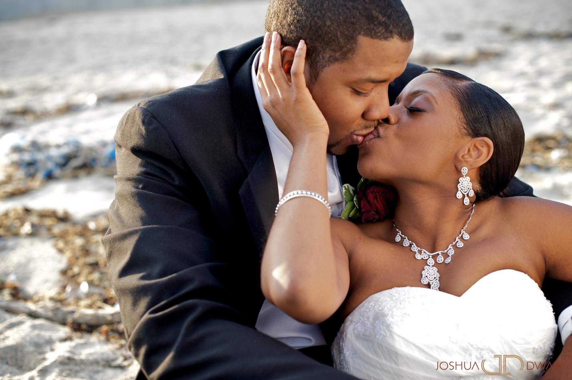 natifia-don-001-greentree-country-clubnew-rochelle-new-york-wedding-photographer-joshua-dwain-20101023_dn_1020
