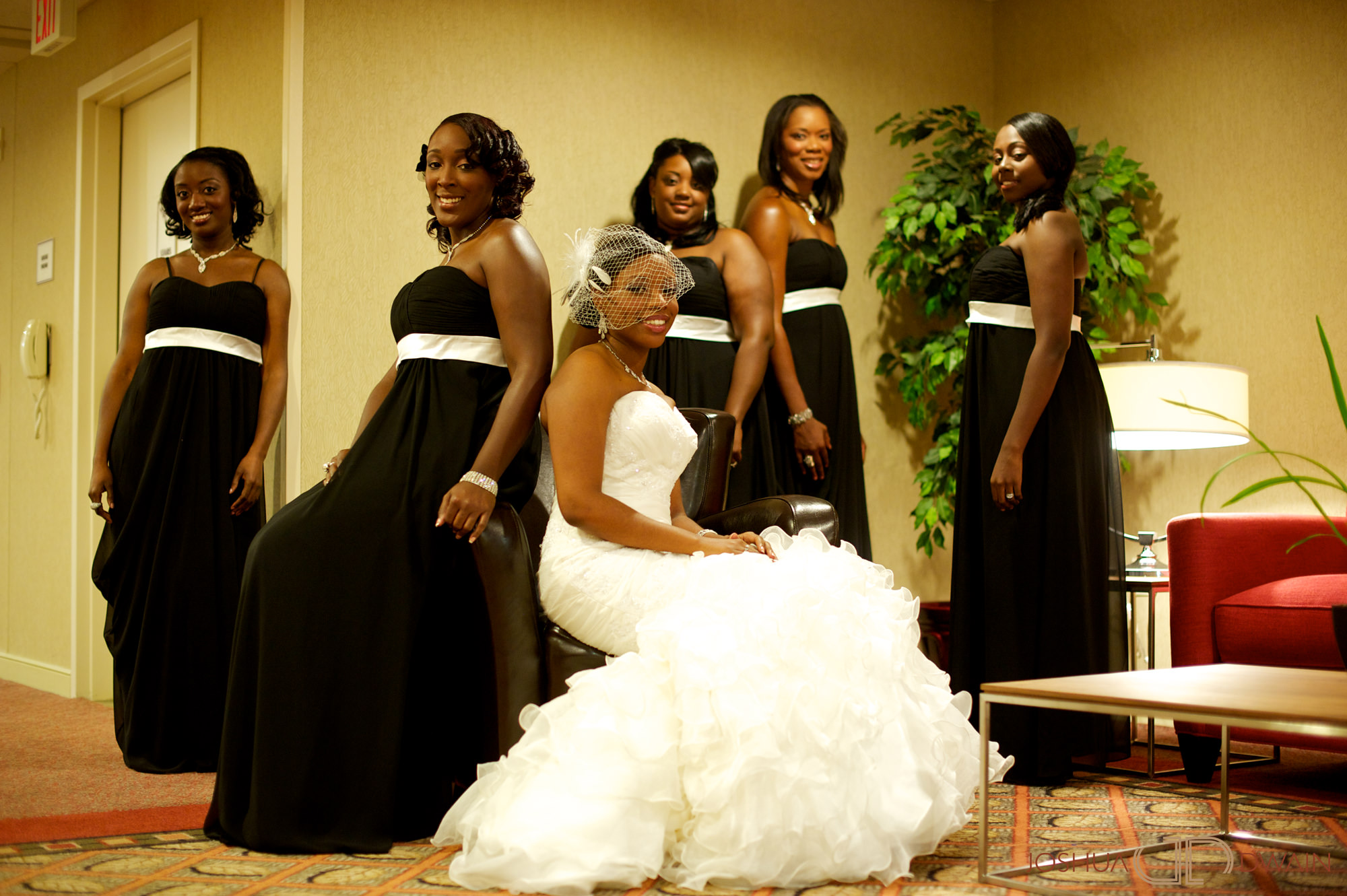 natifia-don-005-greentree-country-clubnew-rochelle-new-york-wedding-photographer-joshua-dwain-20101023_dn_0128