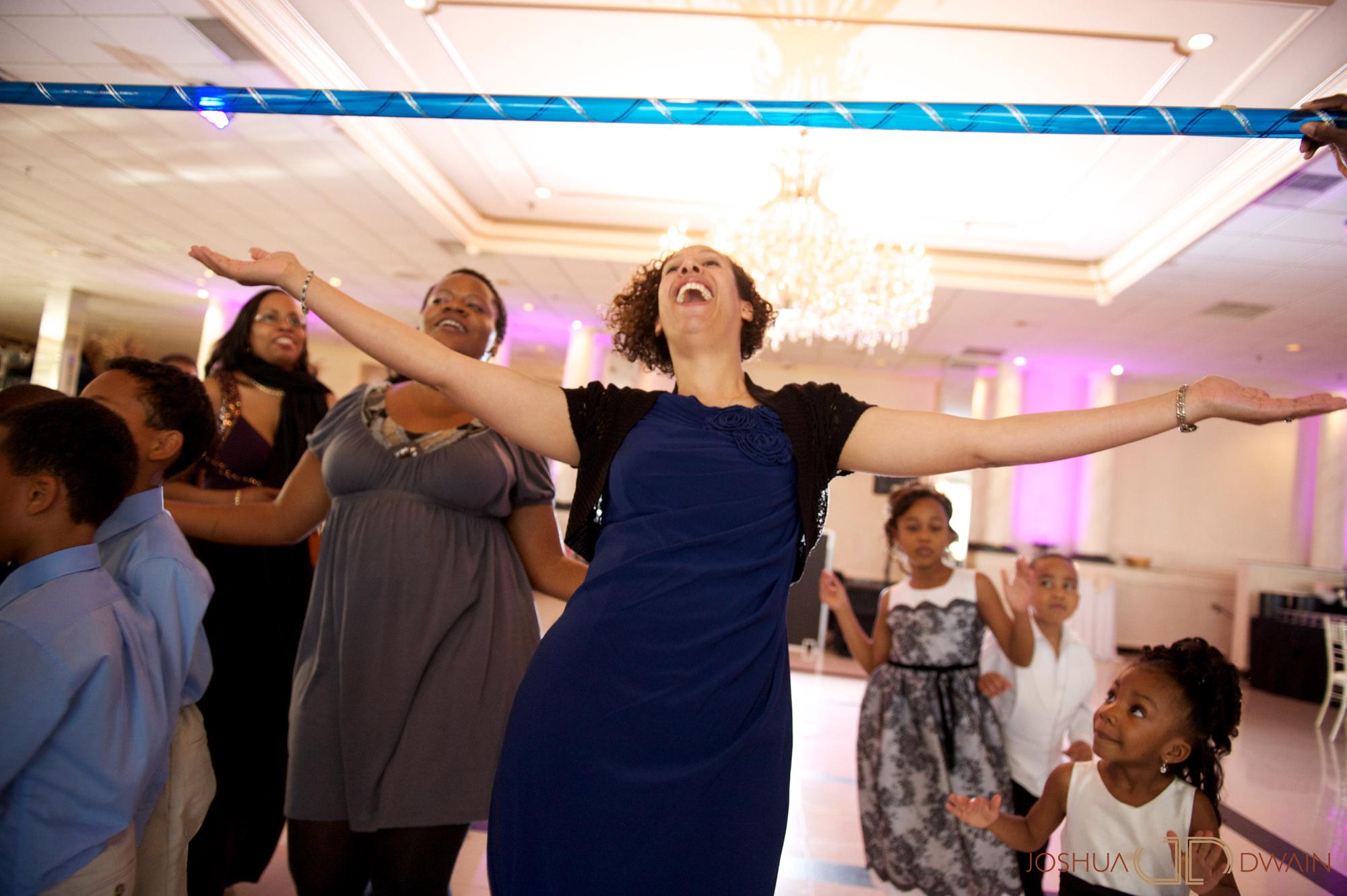 natifia-don-016-greentree-country-clubnew-rochelle-new-york-wedding-photographer-joshua-dwain-20101023_dn_0806