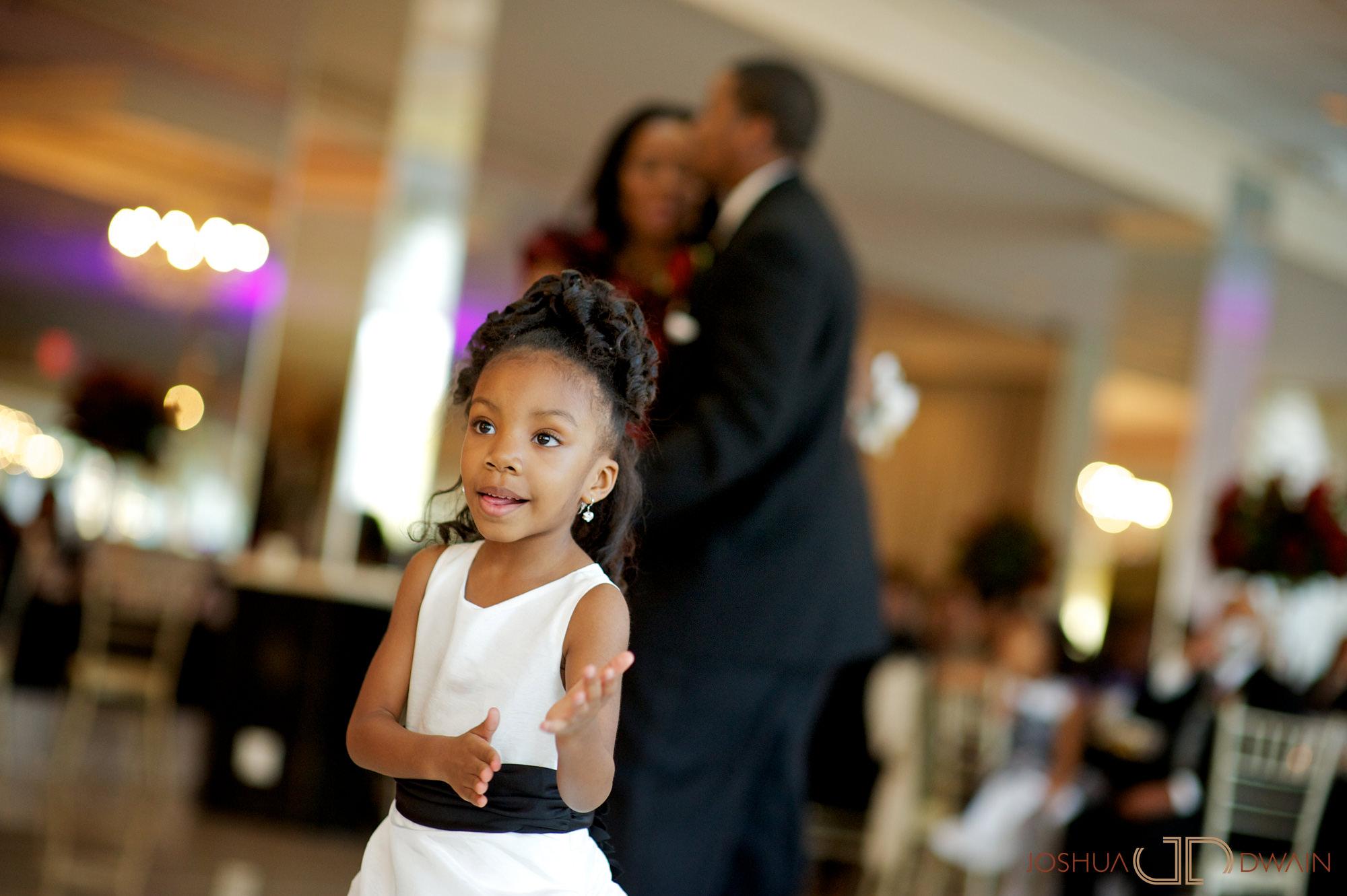 natifia-don-019-greentree-country-clubnew-rochelle-new-york-wedding-photographer-joshua-dwain-20101023_dn_0923