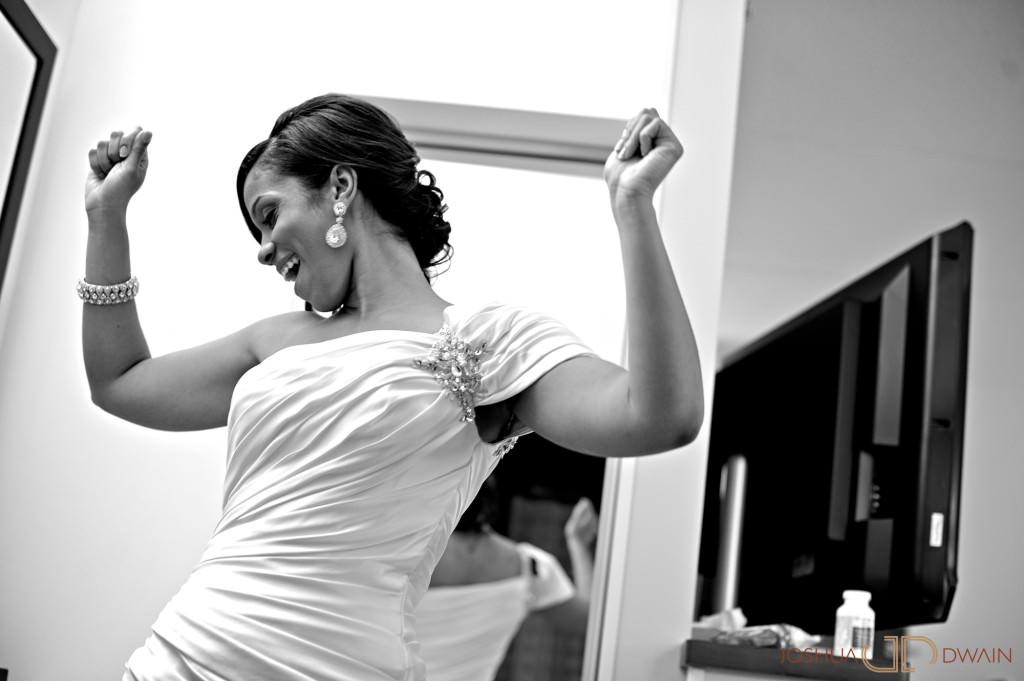 carolina-hector-006-chateau-briandlong-island-new-york-wedding-photographer-joshua-dwain-2011-05-13_ch_0241