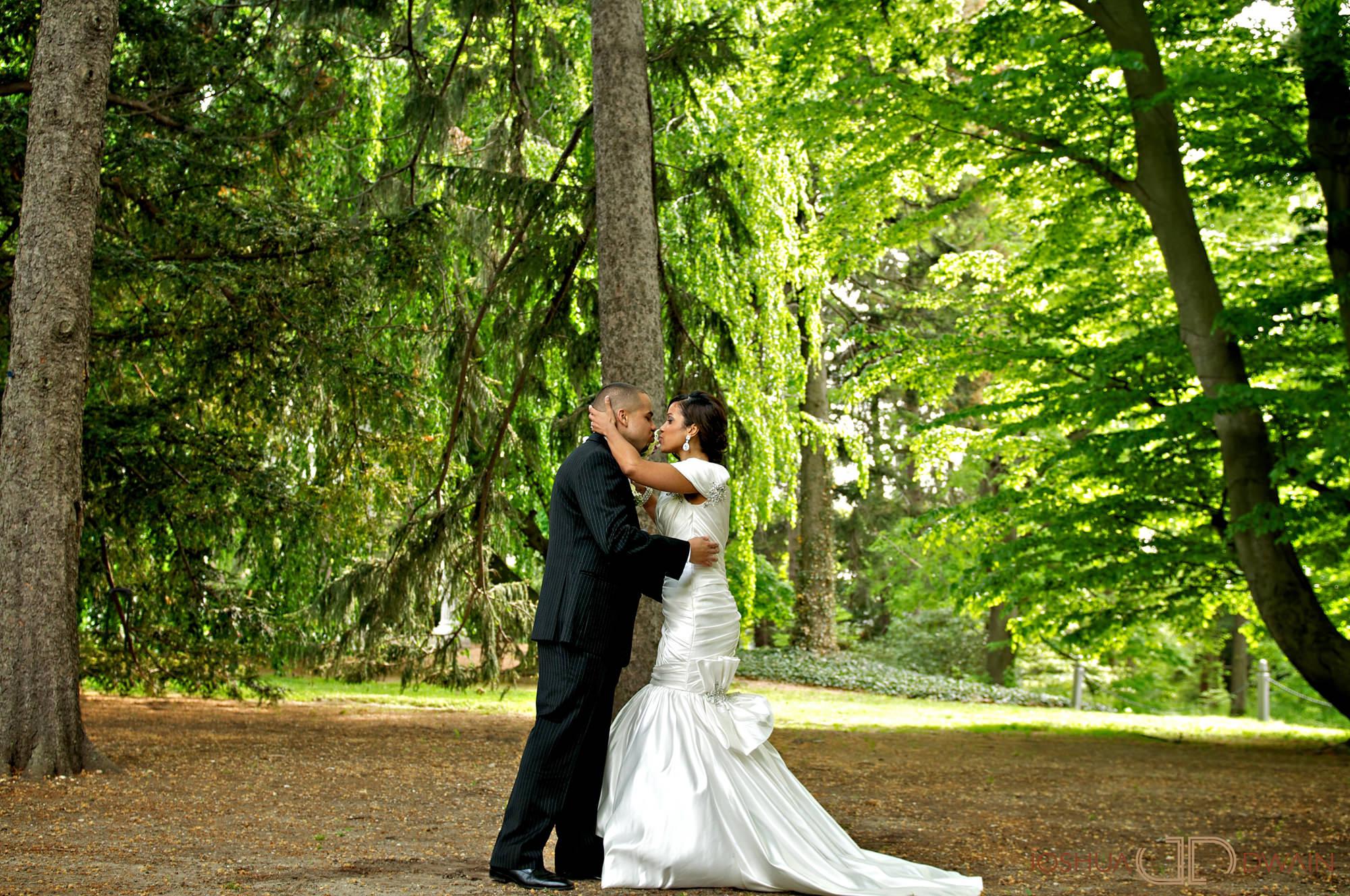 carolina-hector-008-chateau-briandlong-island-new-york-wedding-photographer-joshua-dwain-2011-05-13_ch_0337