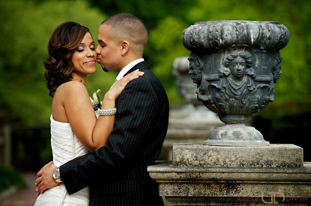 carolina-hector-015-chateau-briandlong-island-new-york-wedding-photographer-joshua-dwain-2011-05-13_ch_0422