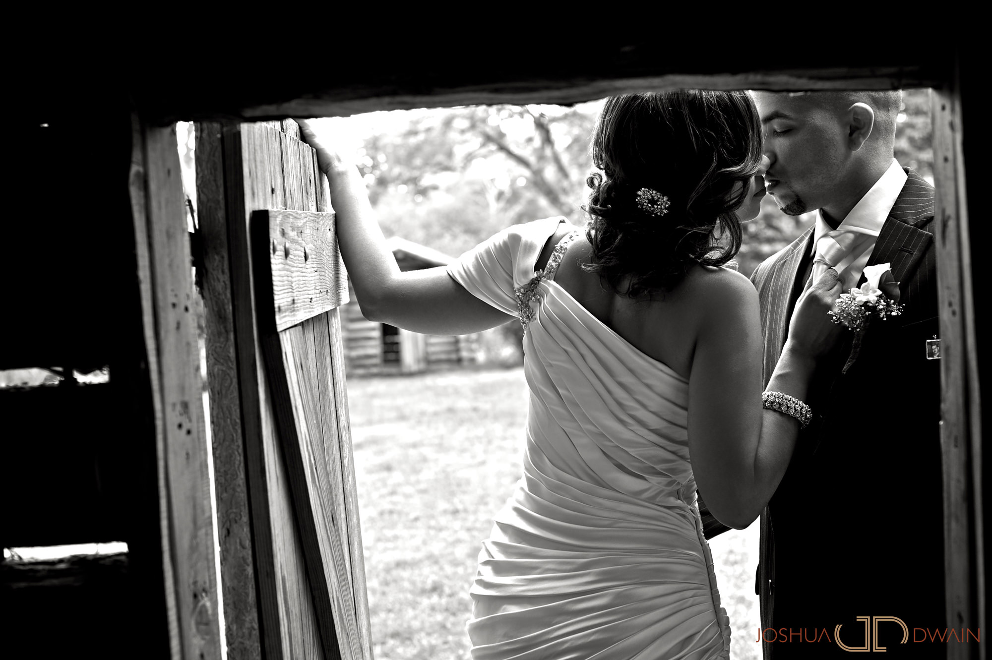 carolina-hector-019-chateau-briandlong-island-new-york-wedding-photographer-joshua-dwain-2011-05-13_ch_0480