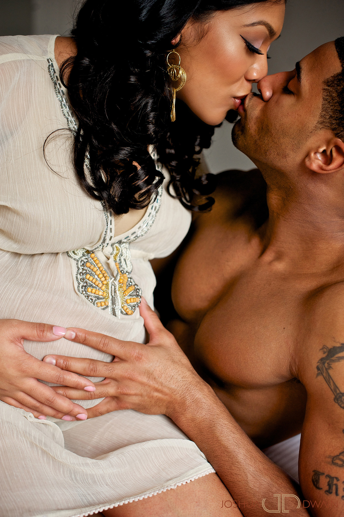 khadeen-ellis-005-new-york-city-maternity-photographer-joshua-dwain-2011-03-18_KD_025
