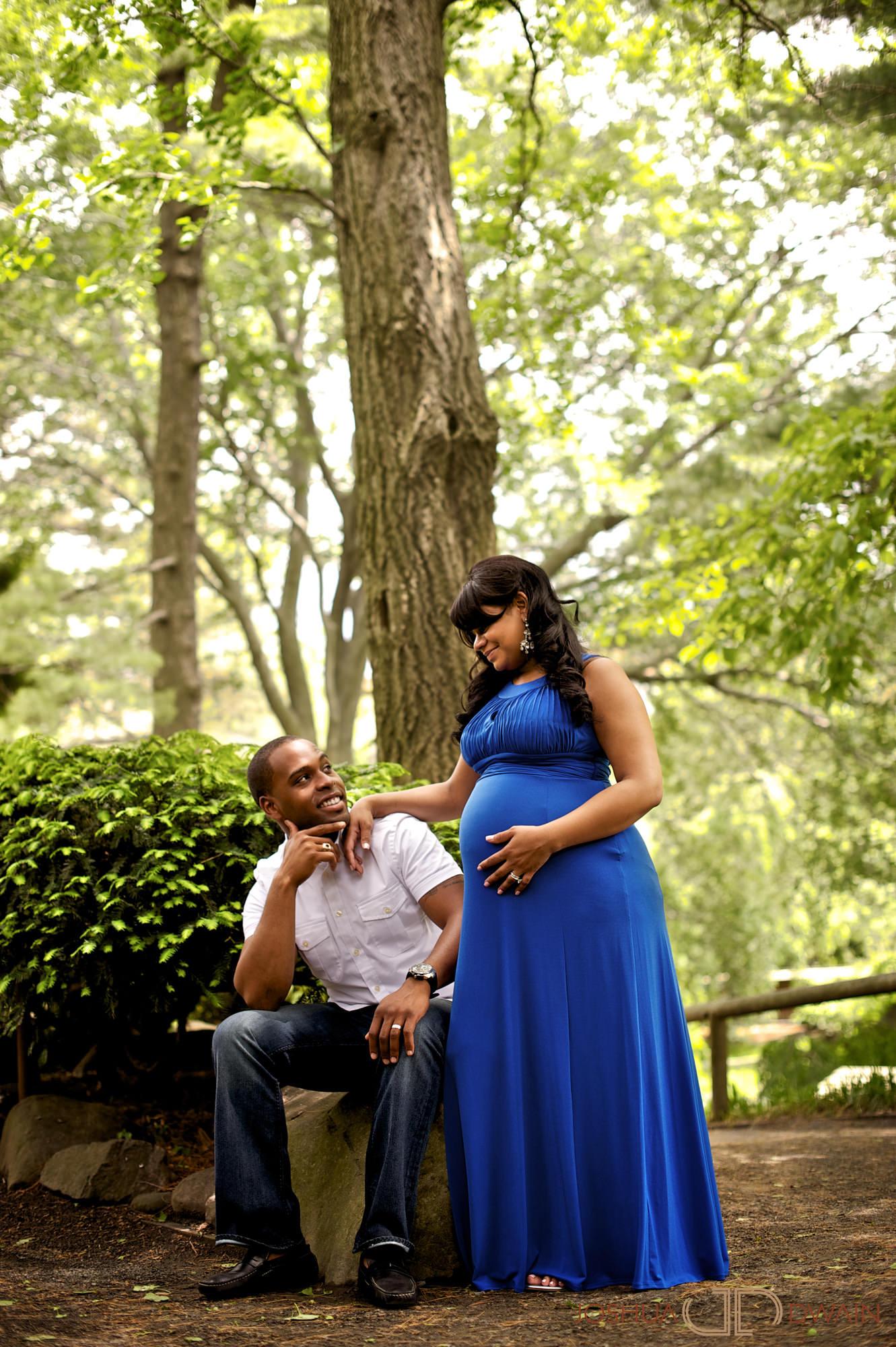 aysha-richard-006-botanical-gardensbrooklyn-ny-portrait-photographer-joshua-dwain-2011-05-21_ar_046