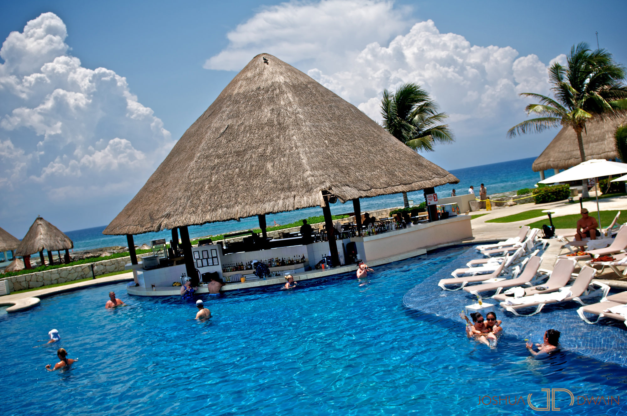 Hard Rock Cafe Cancun Websites