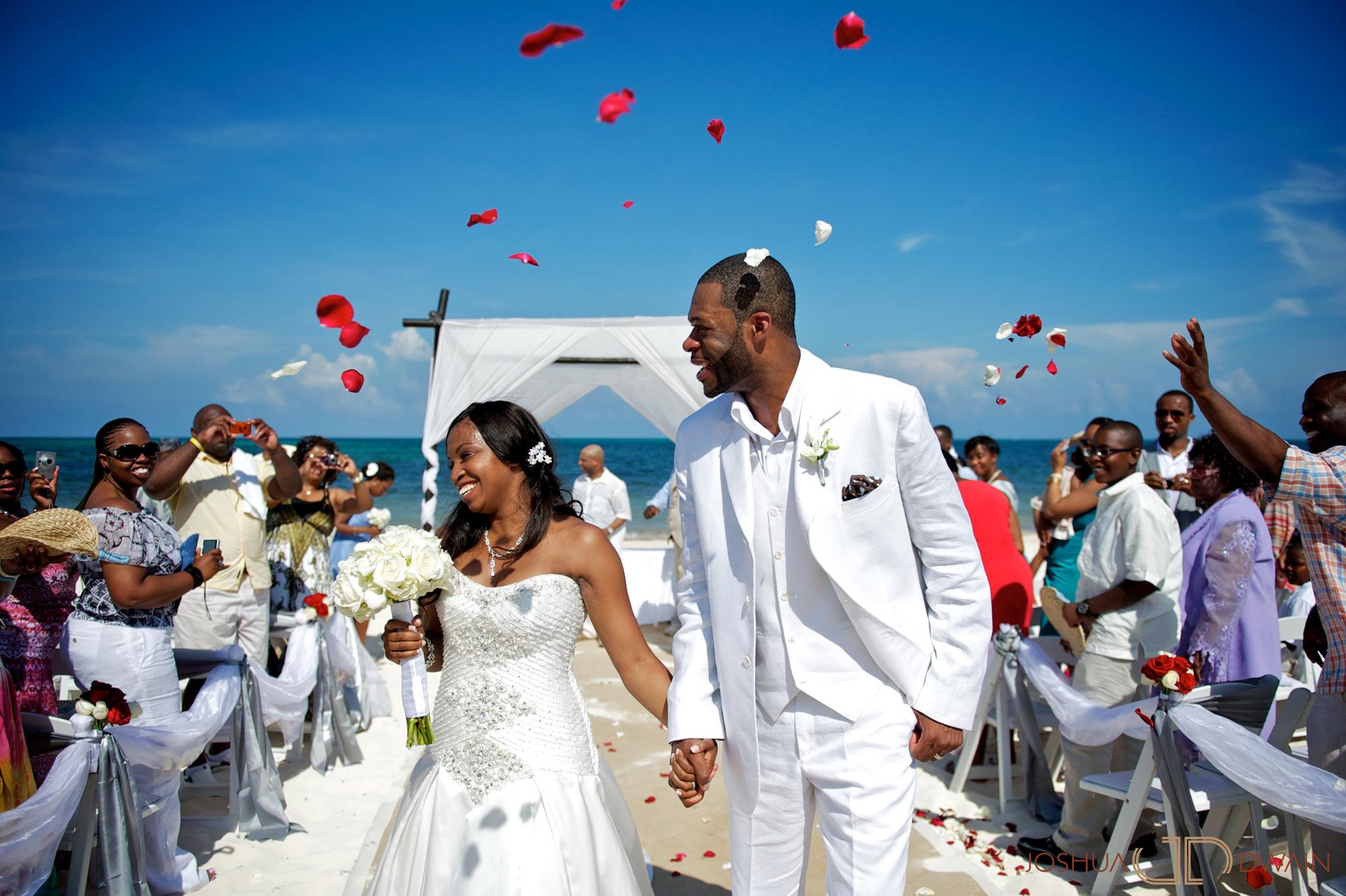 janet-adrian-014-hard-rock-cafe-riveria-maya-mexico-wedding-photographer-joshua-dwain-janet-adrian-014-hard-rock-cafe-riveria-maya-wedding-photographer-joshua-dwain-2011-07-22_ja_354