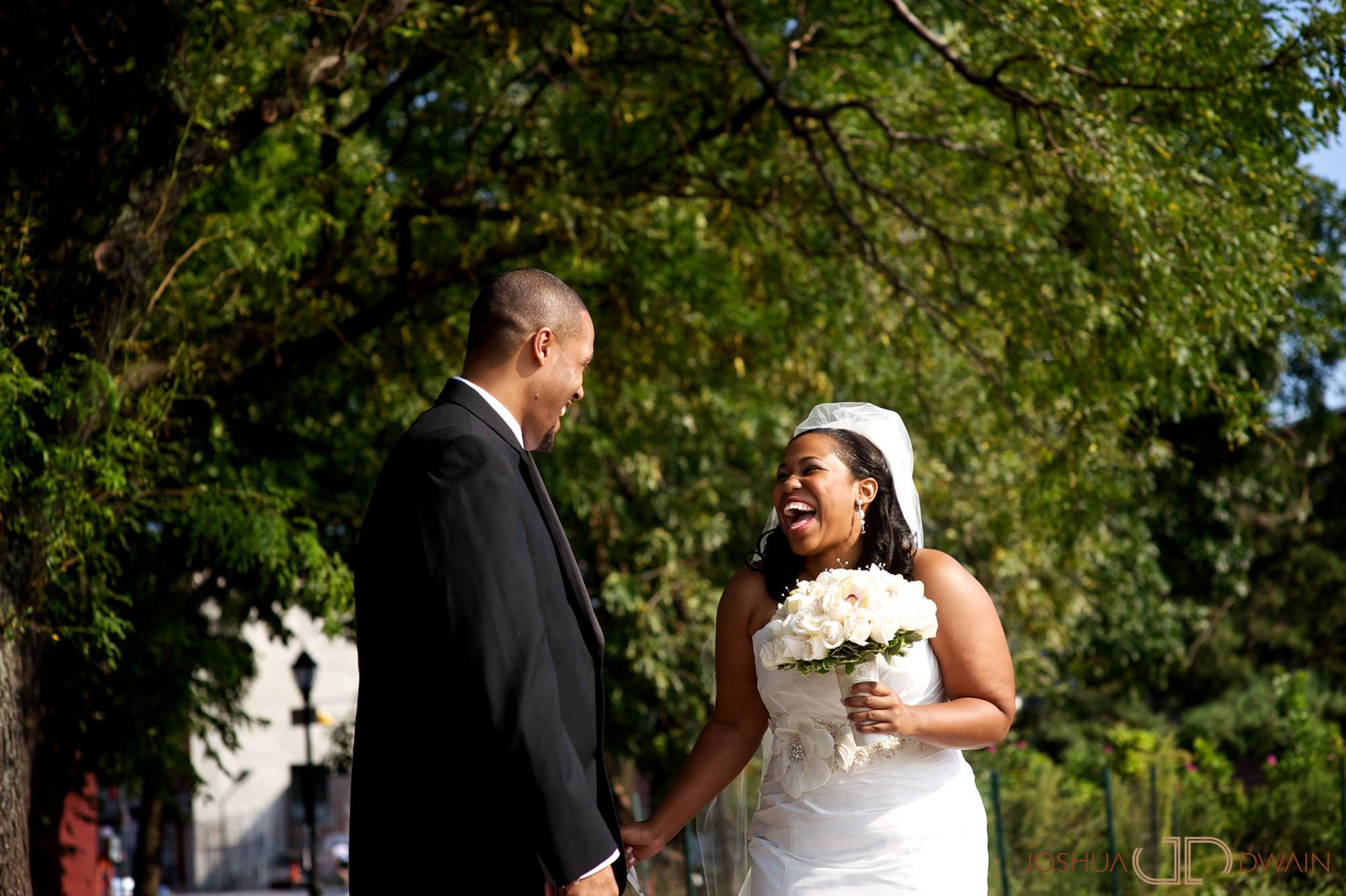 jessica-frank-010-giando-on-the-water-brooklyn-ny-wedding-photographer-joshua-dwain-2011-09-02_jf_208