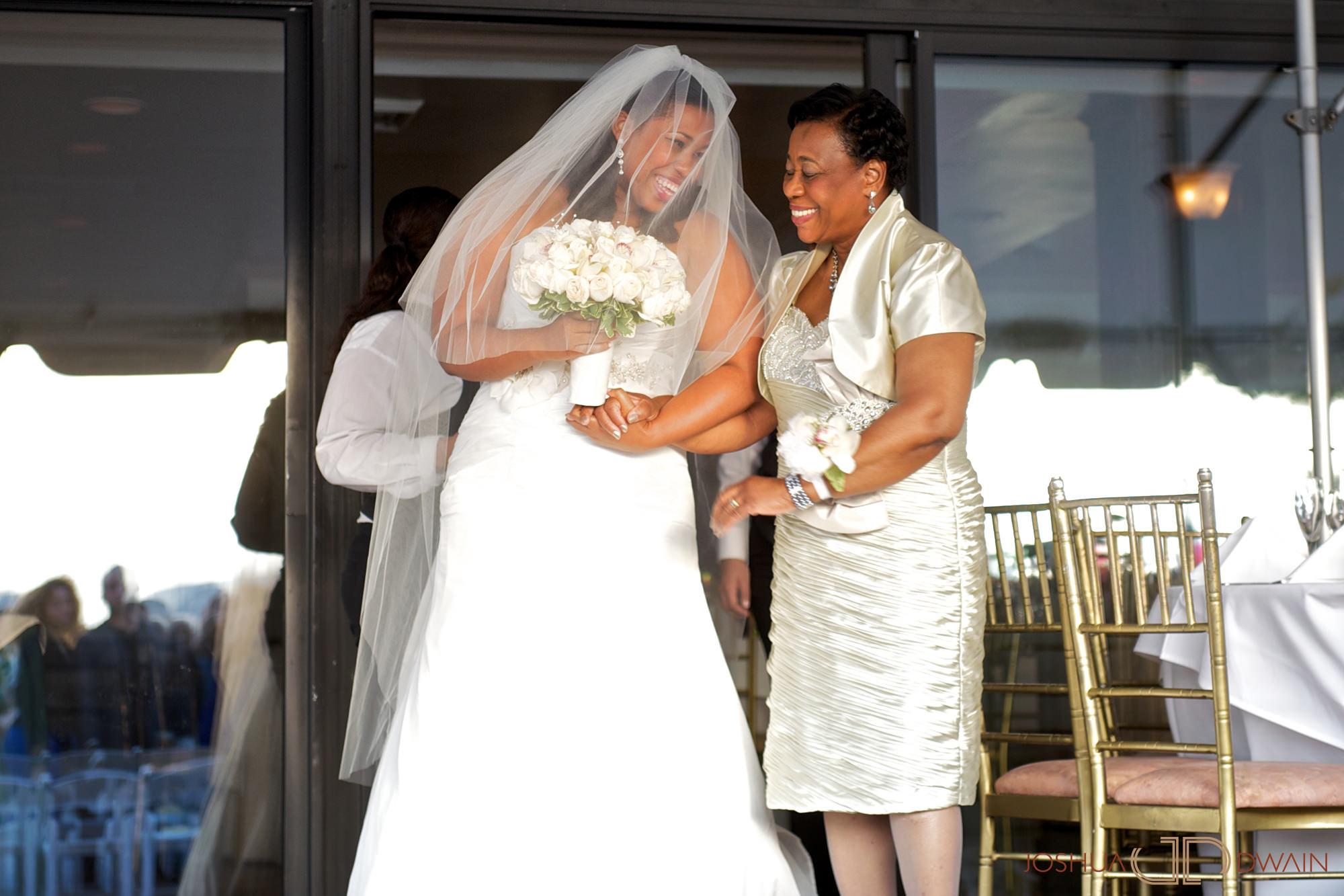 jessica-frank-015-giando-on-the-water-brooklyn-ny-wedding-photographer-joshua-dwain-2011-09-02_jf_311