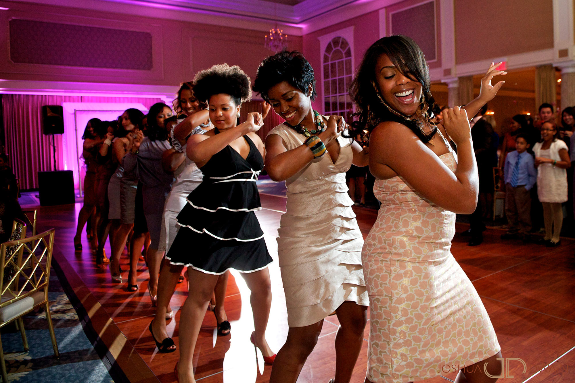 carol-shiloh-017-the-palace-somerset-new-jerseywedding-photographer-joshua-dwain-2011-11-25_cs_683