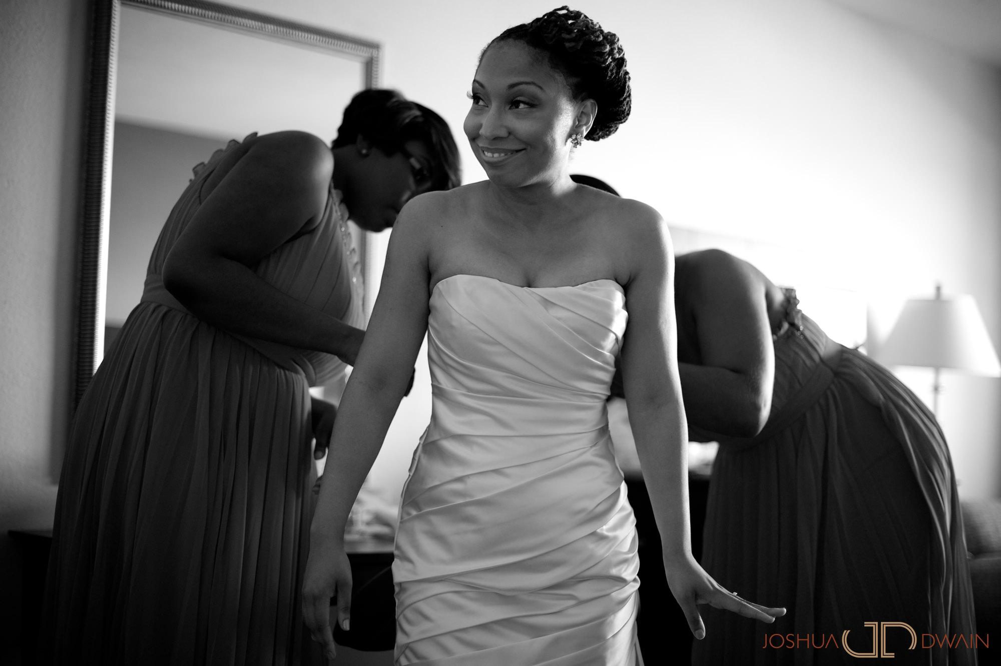 candra-alonza-004-holiday-inn-south-beach-miami-wedding-photographer-joshua-dwain-2012-07-28_ca_086