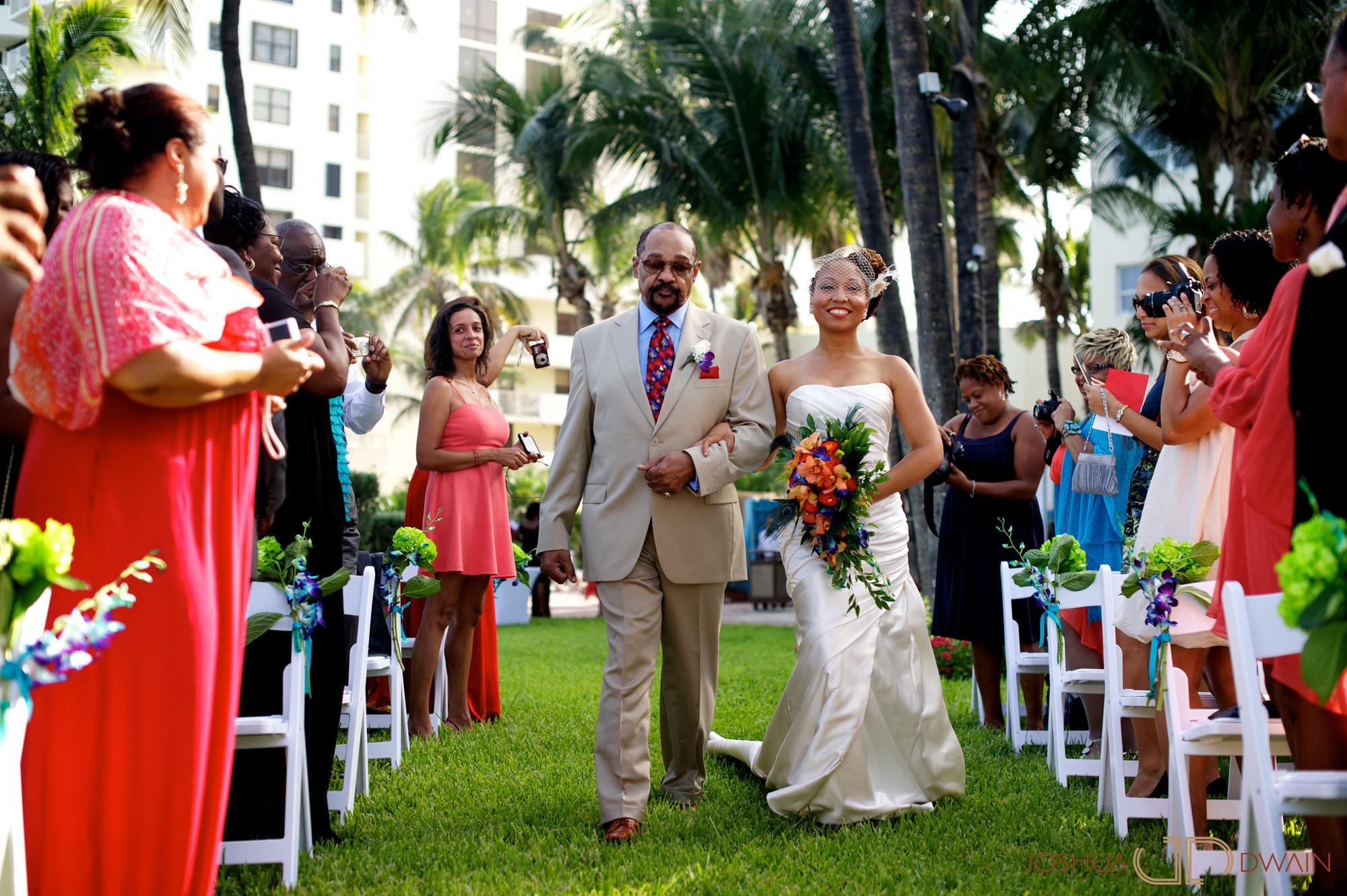 candra-alonza-006-holiday-inn-south-beach-miami-wedding-photographer-joshua-dwain-2012-07-28_ca_138