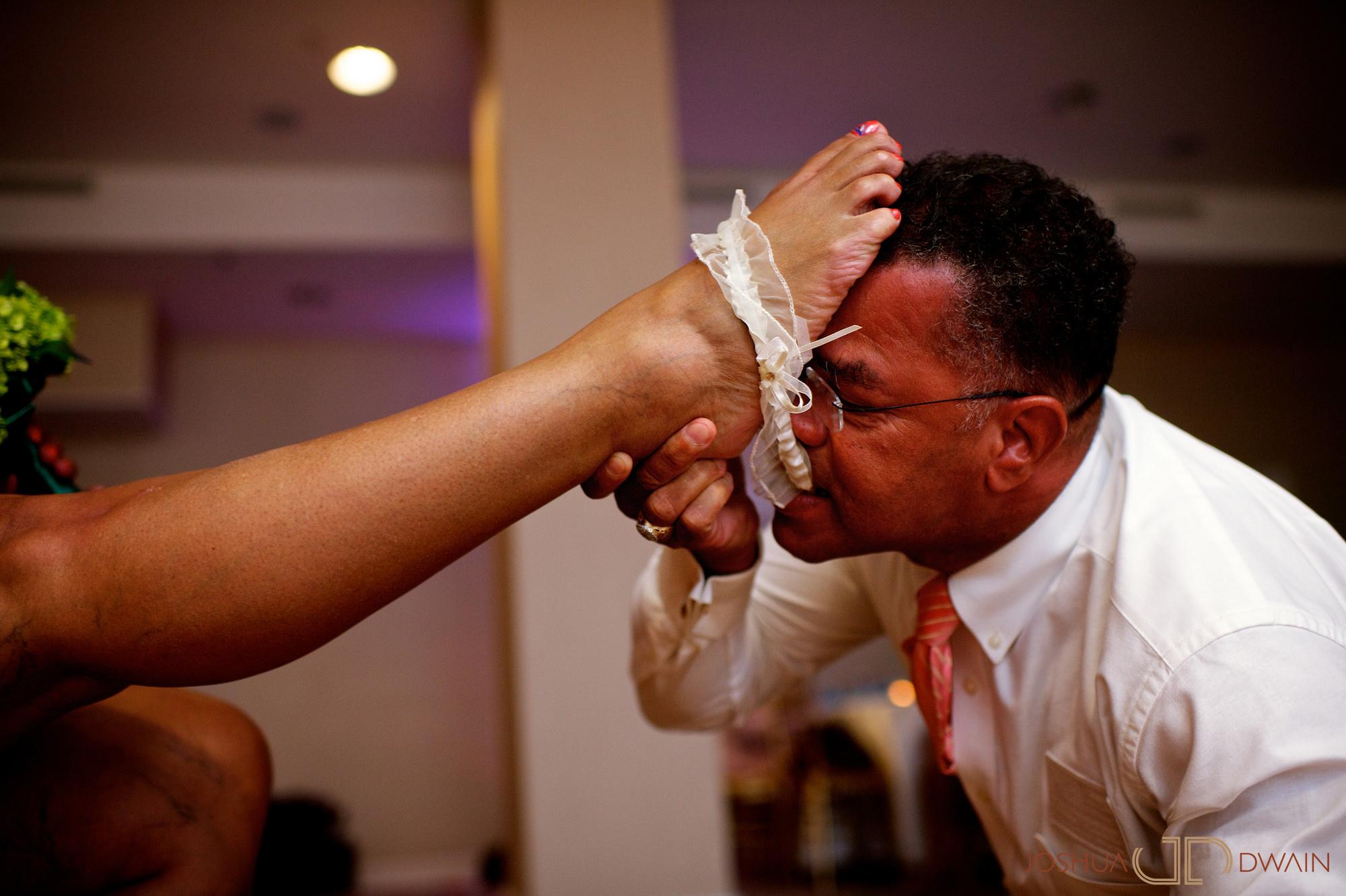 candra-alonza-016-holiday-inn-south-beach-miami-wedding-photographer-joshua-dwain-2012-07-28_ca_434