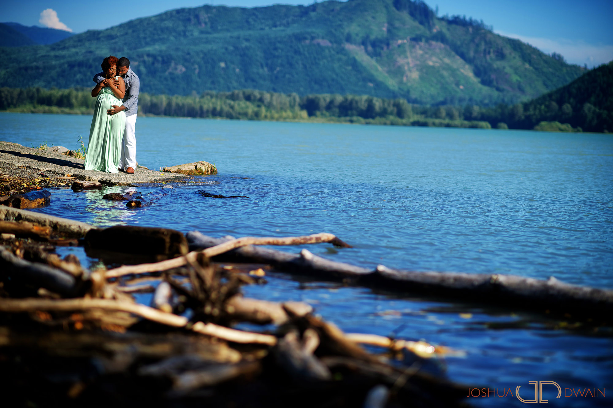 latasha-002-Mt-Rainer-Washington-State-wedding-photographer-joshua-dwain