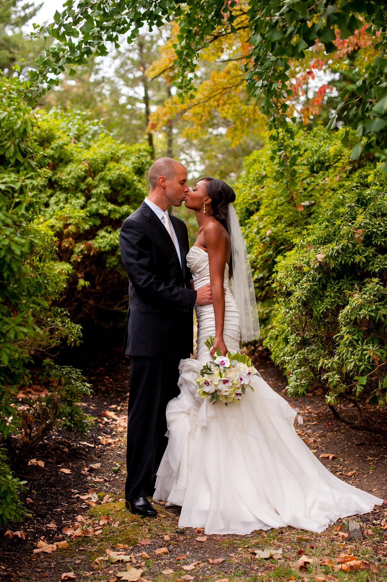 ingrid-keith-019-Glenn Foerd Mansion-philadelphia-wedding-photographer-joshua-dwain