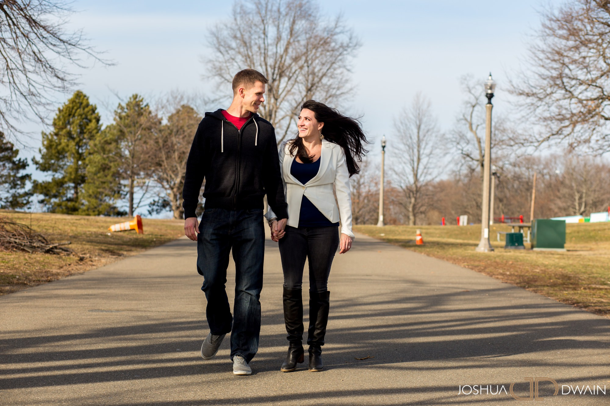 gina-michael-03-lighthouse-point-park-engagement-photos-matthew-ellis-joshua-dwain