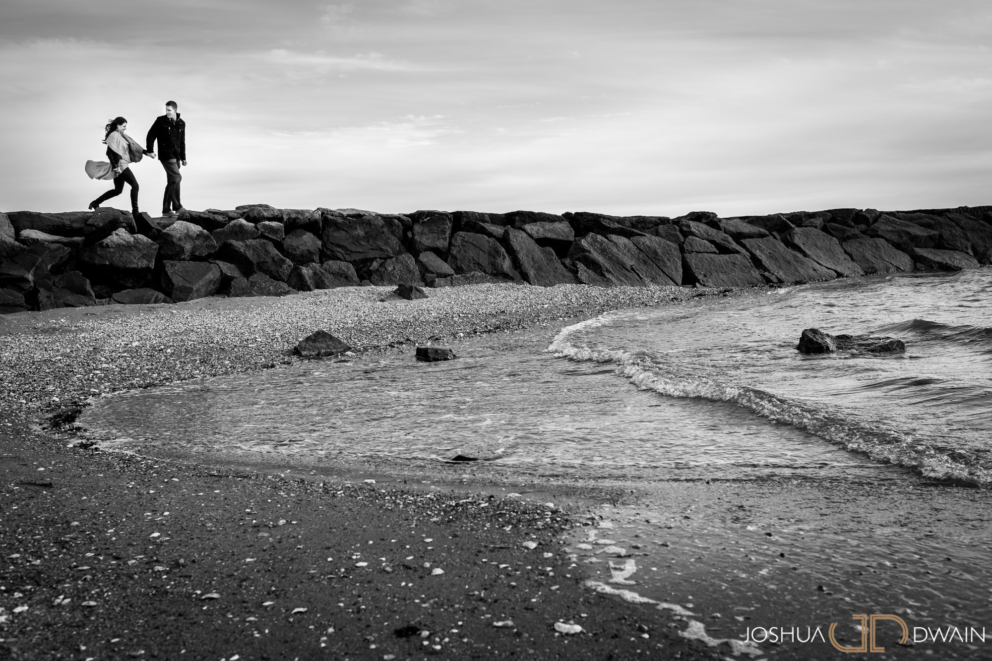 gina-michael-04-lighthouse-point-park-engagement-photos-matthew-ellis-joshua-dwain