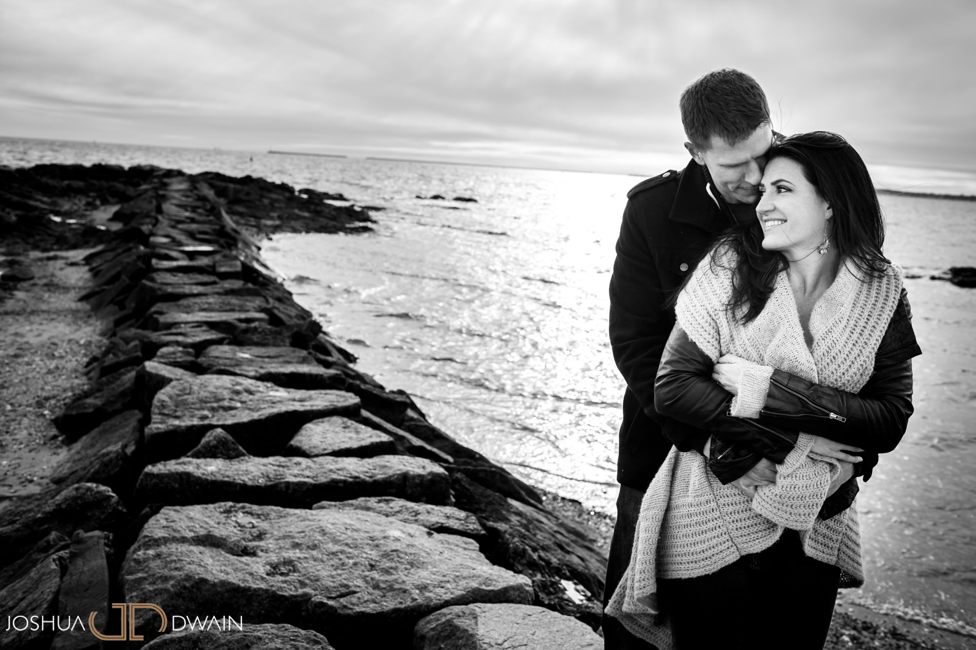gina-michael-05-lighthouse-point-park-engagement-photos-matthew-ellis-joshua-dwain