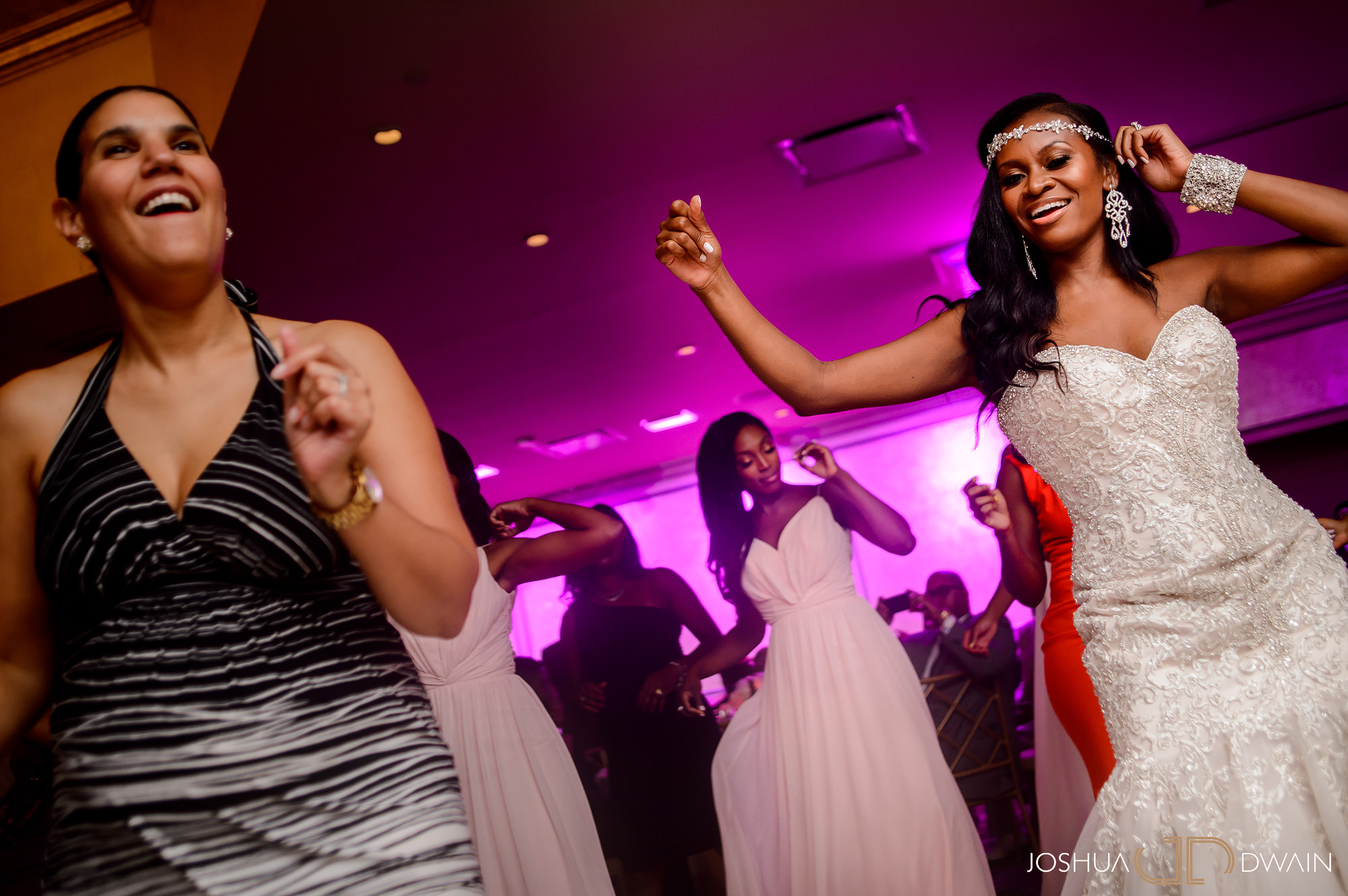 sandra-otwan-040-surf-club-new-rochelle-wedding-joshua-dwain-photos