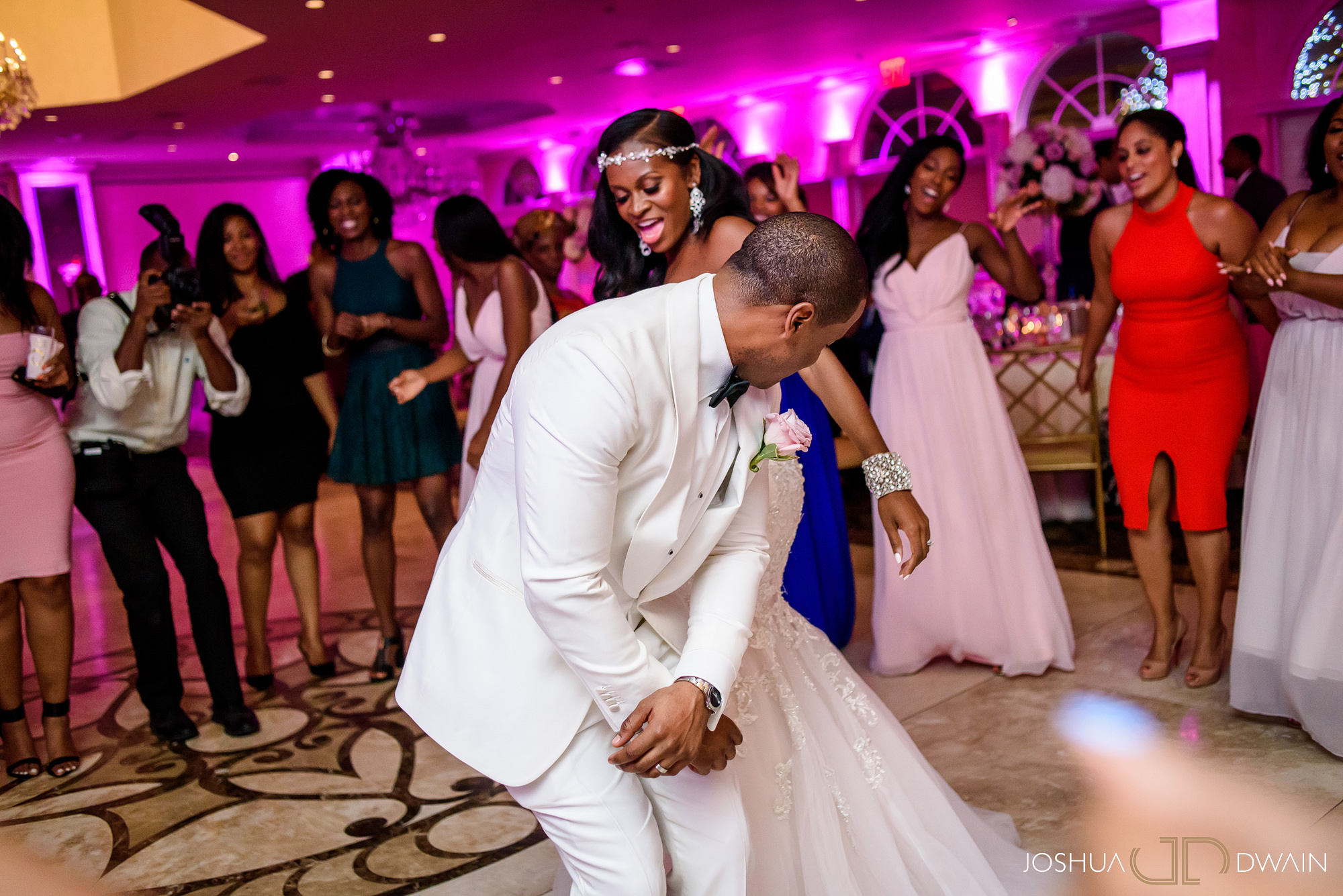 sandra-otwan-042-surf-club-new-rochelle-wedding-joshua-dwain-photos