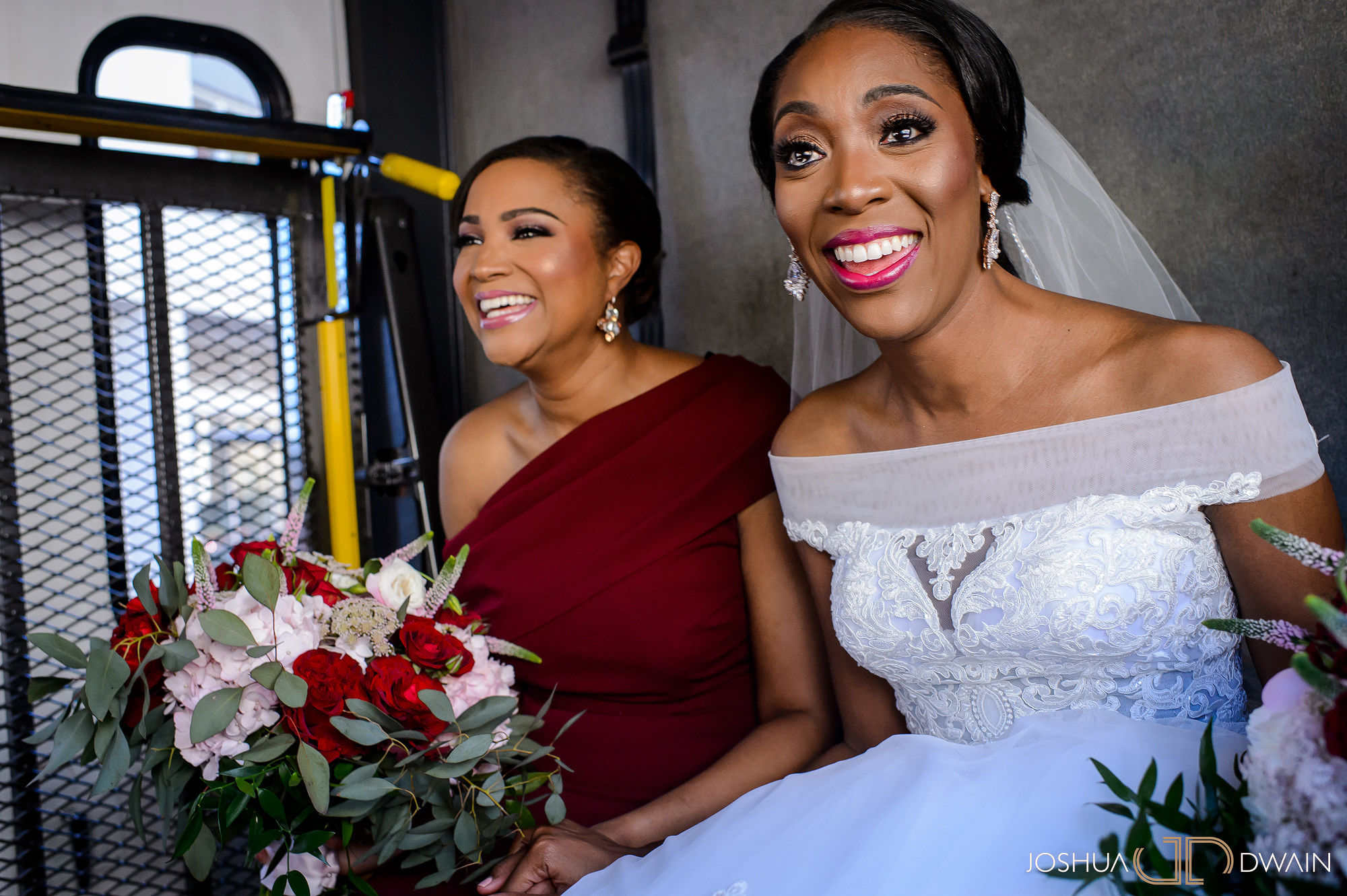 emerald-tolu--010-ronald-reagan-building-trade-center-best-washington-dc--wedding-photographer-joshua-dwain