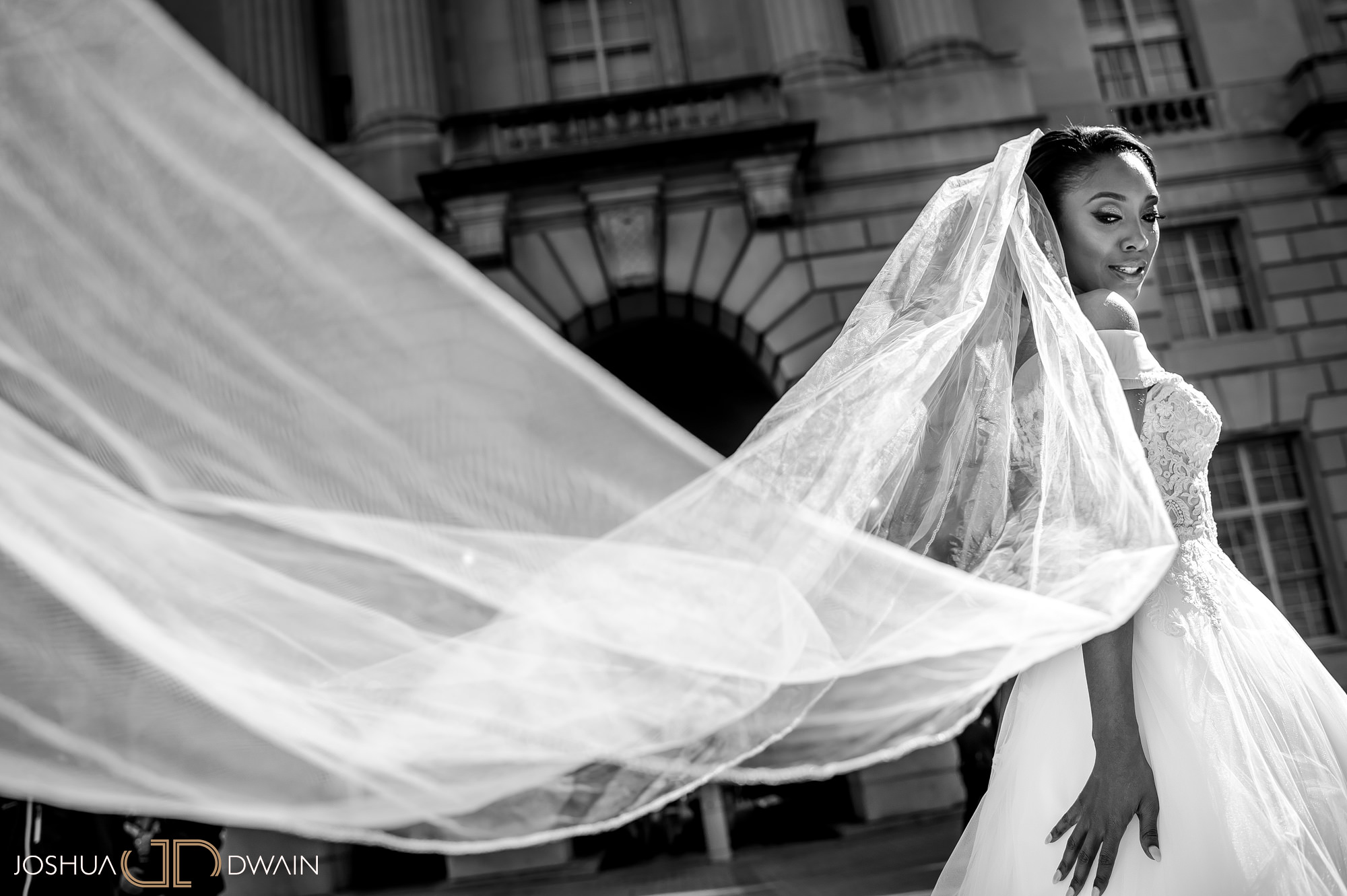 emerald-tolu--017-ronald-reagan-building-trade-center-best-washington-dc--wedding-photographer-joshua-dwain