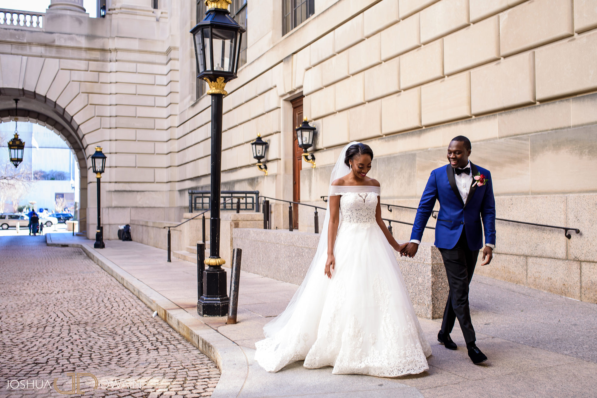 emerald-tolu--022-ronald-reagan-building-trade-center-best-washington-dc--wedding-photographer-joshua-dwain