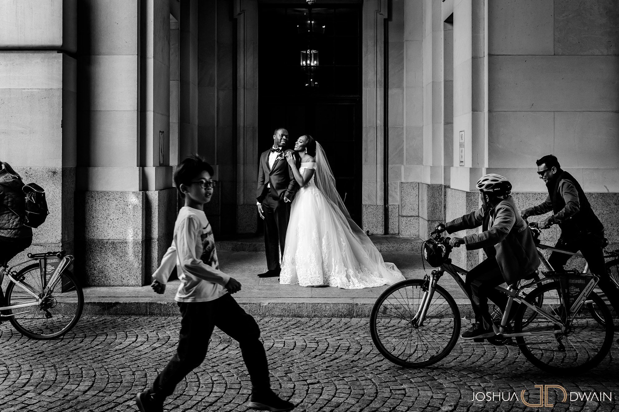 emerald-tolu--023-ronald-reagan-building-trade-center-best-washington-dc--wedding-photographer-joshua-dwain