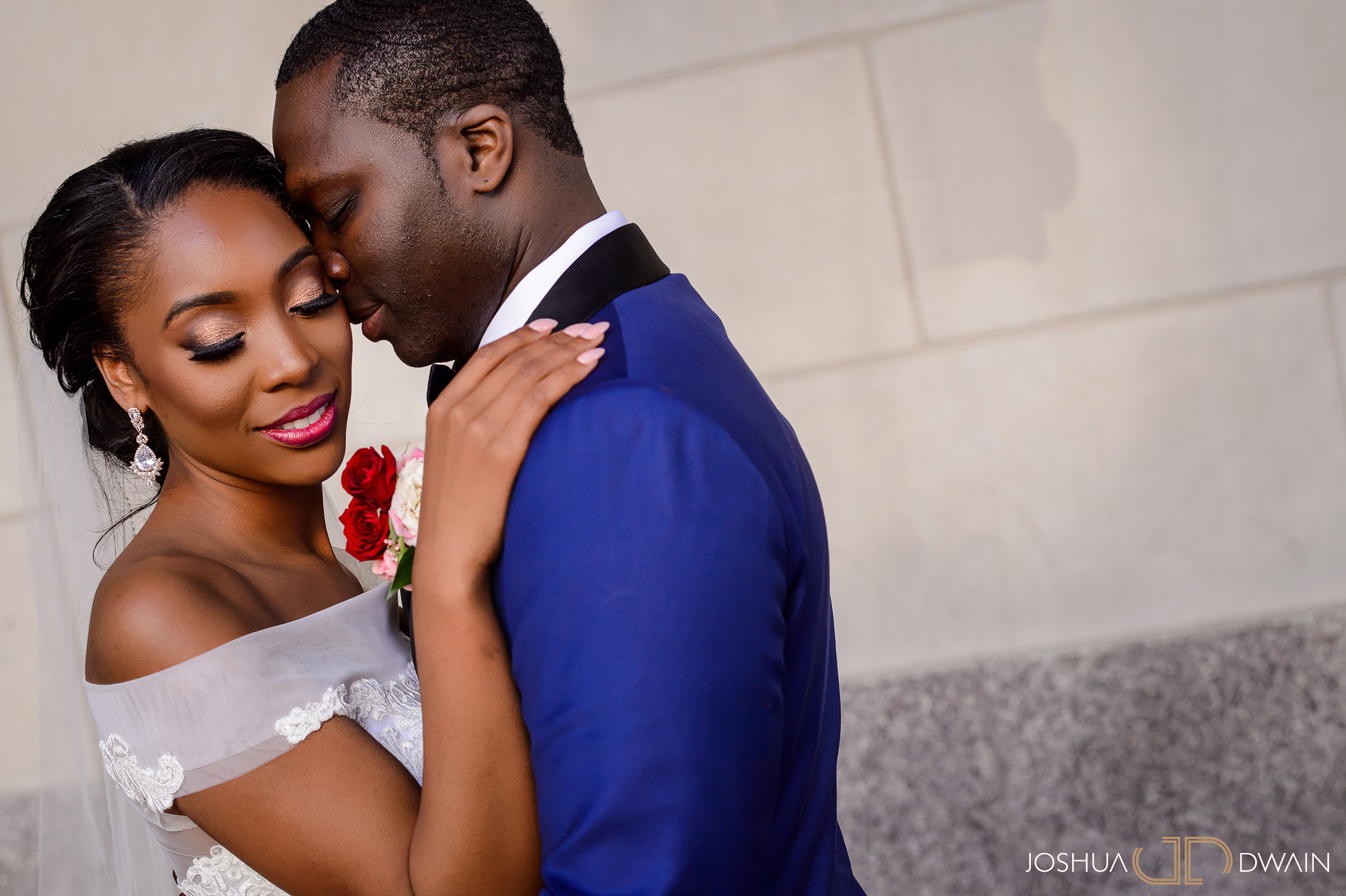 emerald-tolu--024-ronald-reagan-building-trade-center-best-washington-dc--wedding-photographer-joshua-dwain