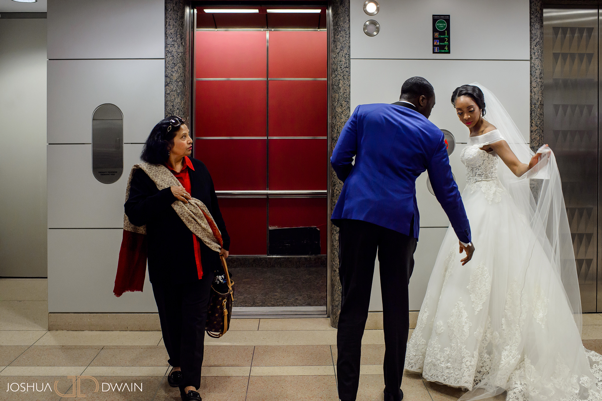 emerald-tolu--026-ronald-reagan-building-trade-center-best-washington-dc--wedding-photographer-joshua-dwain