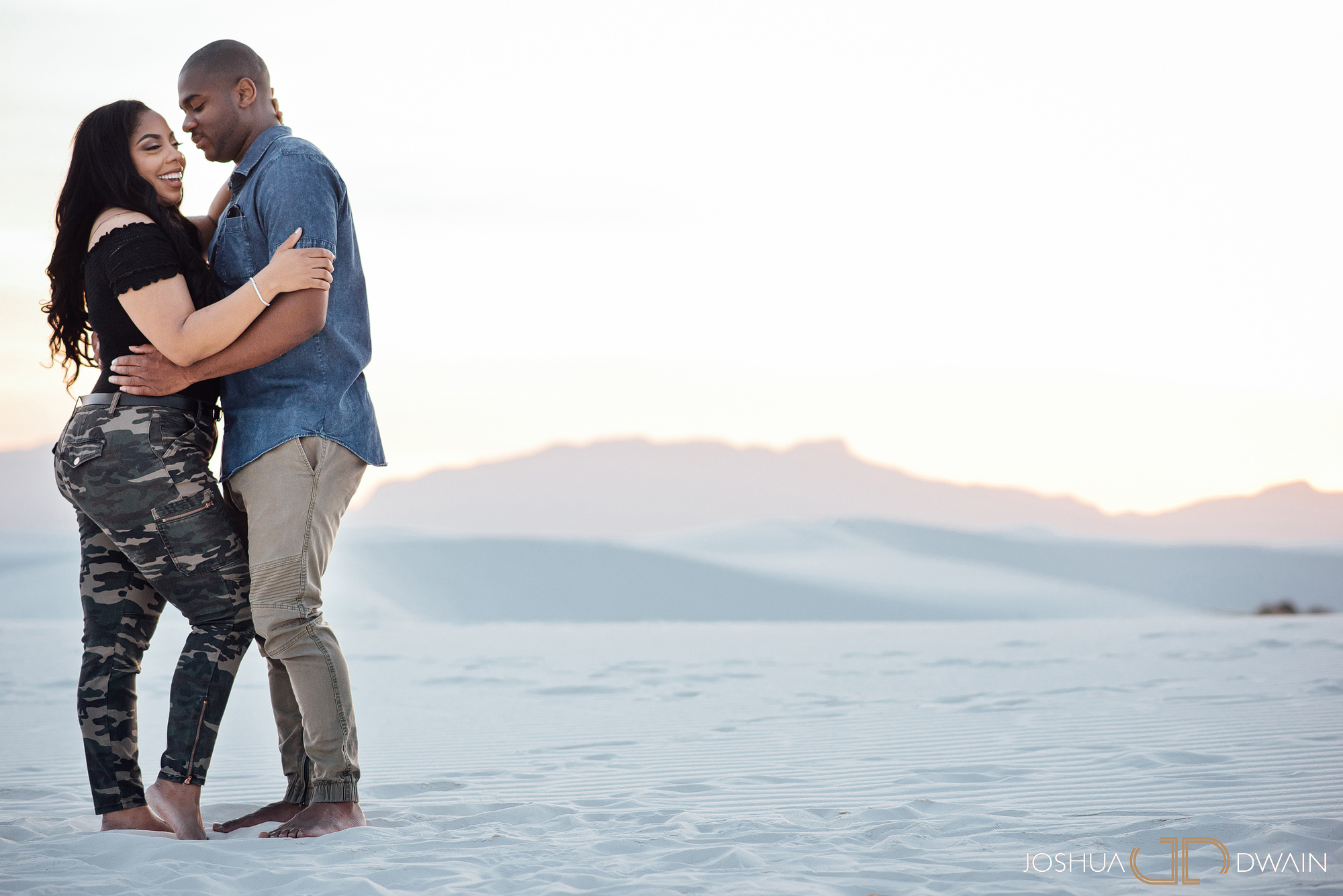 brianna-william-07-white-sands-monument-national-park-new-mexico-engagement-photographer-joshua-dwain-