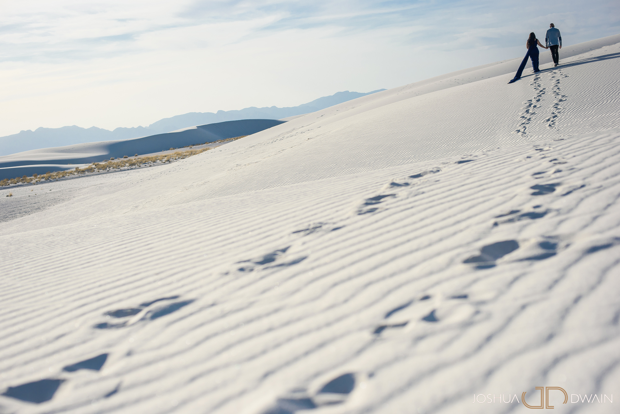 brianna-william-12-white-sands-monument-national-park-new-mexico-engagement-photographer-joshua-dwain-