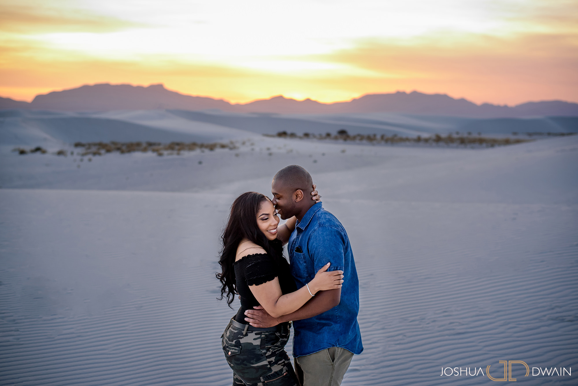 brianna-william-16-white-sands-monument-national-park-new-mexico-engagement-photographer-joshua-dwain-